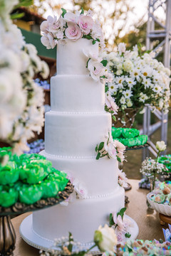 Cserfalvi Wedding Cake (45).jpg