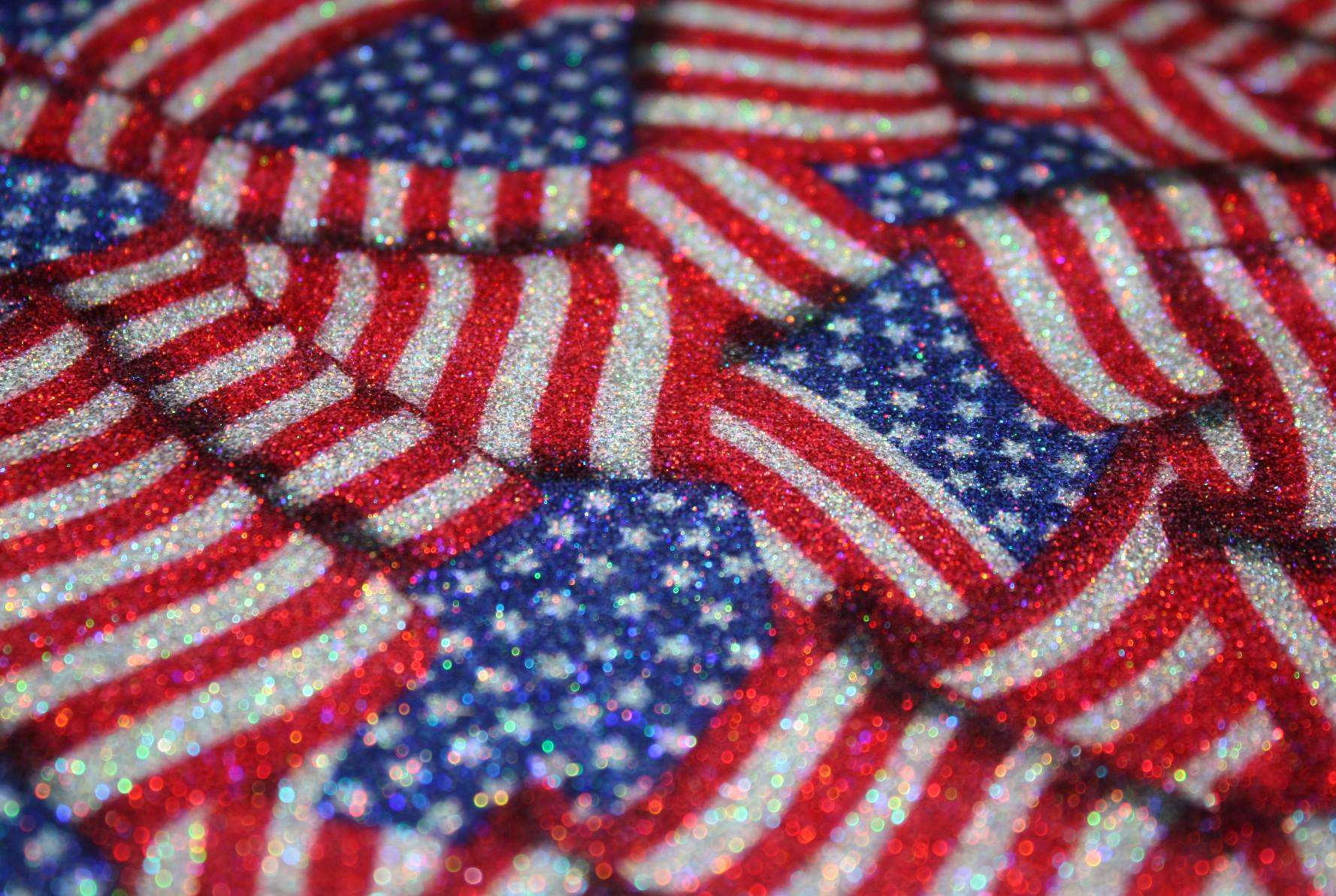 AMERICAN FLAG GLITTER PRINT