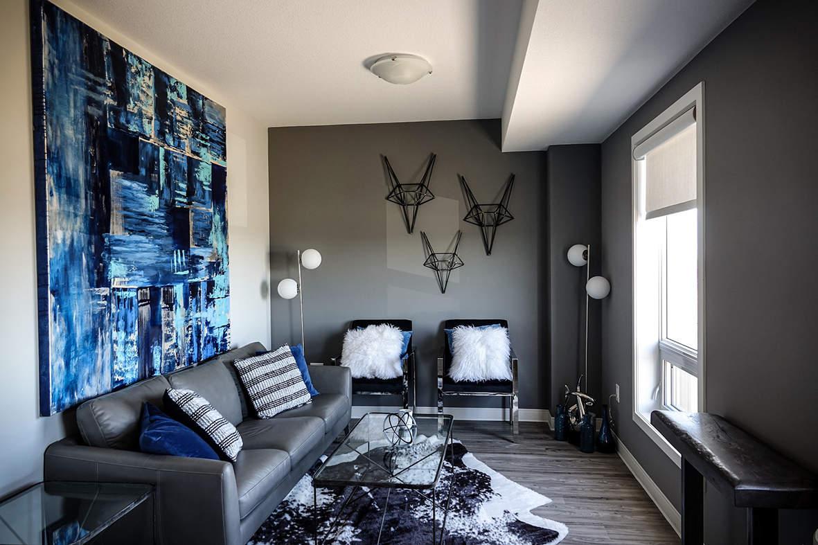 living-room-3498914_1920.jpg
