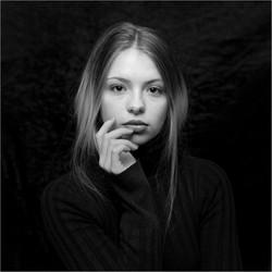 Pensive-Fabienne Jardim