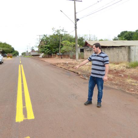 Vereador Toton fiscaliza recapeamento do bairro Alto Maracaju