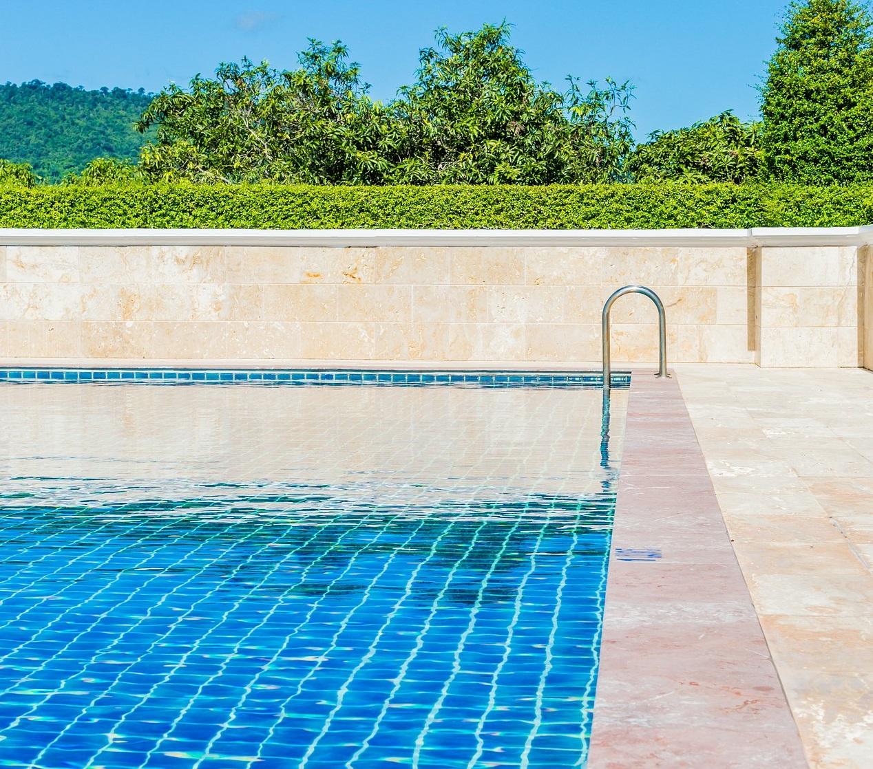 pool-1587783_1920 (1)