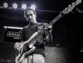 Im Februar: Florian Faltner am Bass