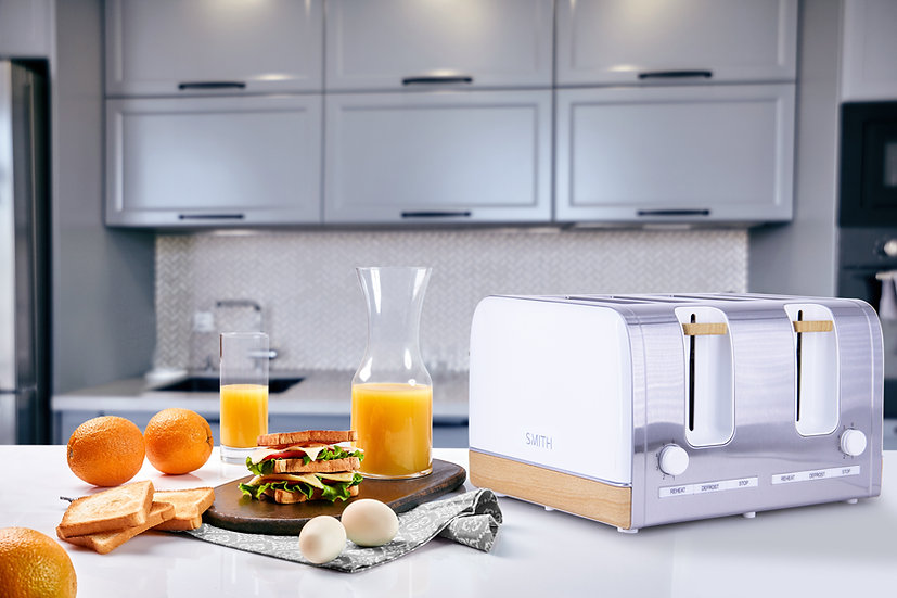 Premium Toaster 4 Slice Chrome & Wooden Effect Decoration with Wide Slots