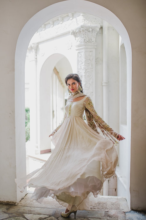 IVORY ANARKALI WITH FLORAL PRINTED DUPATTA.