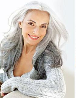 59-years-old-grandma-fashion-model-yasmina-rossi-4__880