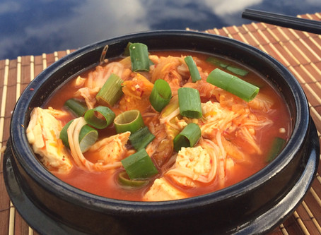 Easy Vegan Kimchi Soup (Kimchi-Jiigae