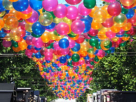 Balloons%20Hanging%20in%20the%20Street_e