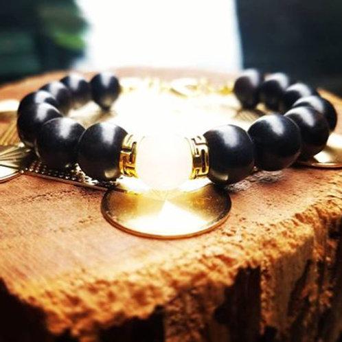 10mm Ebony with gold/white Jade focal bead bracelet