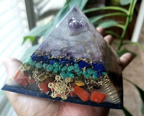 Medium Chakra Orgonite pyramid