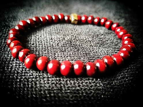 6mm Unisex Beaded Bracelet: Rosewood & Gold plated closure