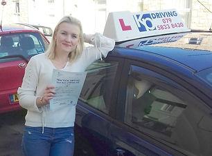 lady-happy-to-pass-drivin-test-with-kp-driving-lessons
