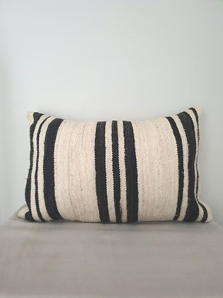 Black Stripes Wol 55x36cm