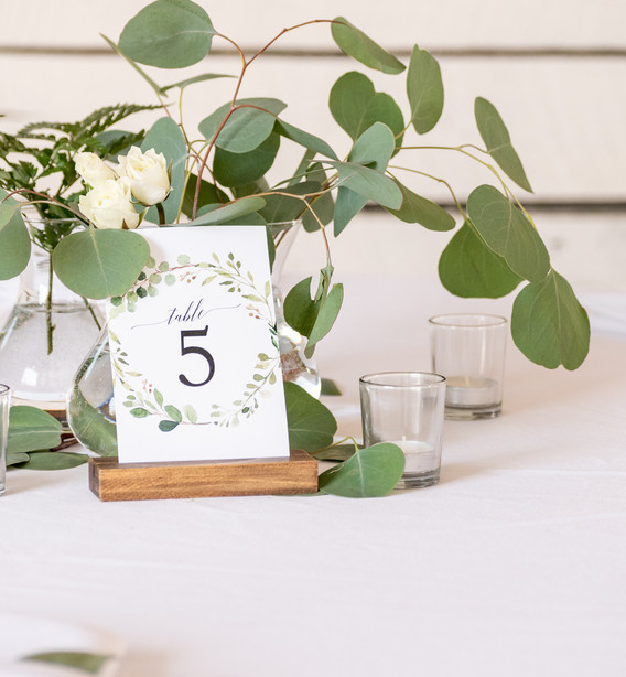 guest table1.jpg
