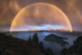 light-show-on-crater-lake-photo-by-mark-