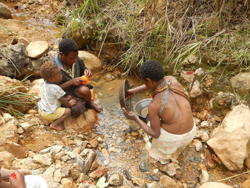 Women in Small scale Mining in Papua New Guinea