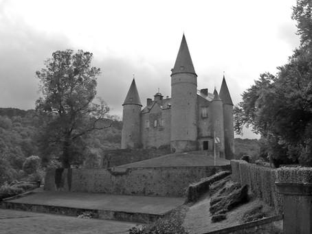 Crayon Castle/ Château aux crayons cire