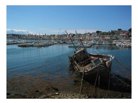 Abandoned boat / Bateau abandonné...