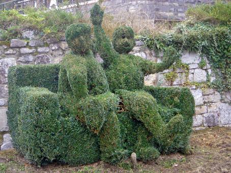 Topiary Friends/ Les Amis Topiares