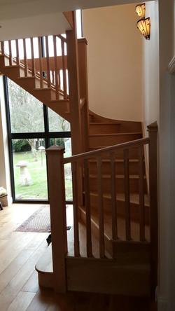 Open tread staircase in solid oak
