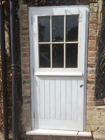 rear door to resemble stable door