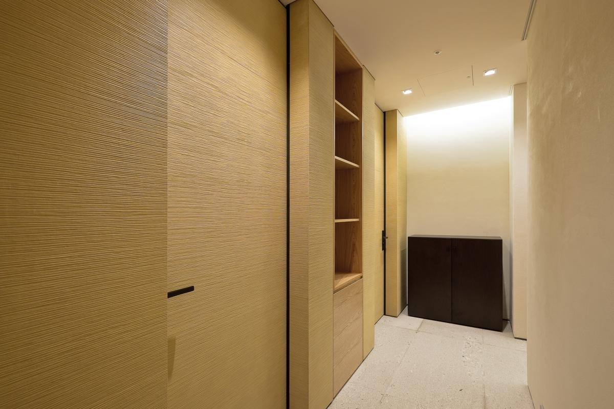 Pass Way & Room Door