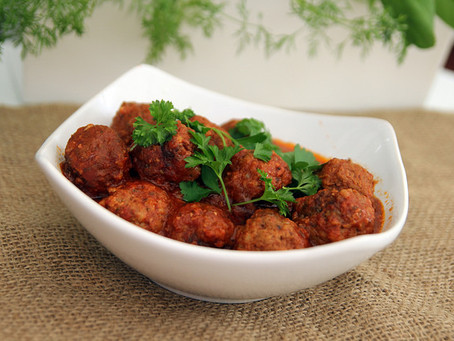 Slow Cooker Meatballs by The Greedy Fox