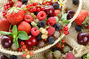 Delicious berries @ Credenda Wedding venue