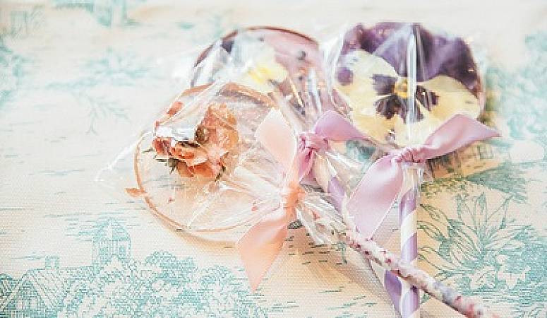 Framstyle wedding favours