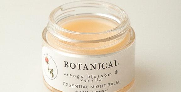 ESSENTIAL NIGHT BALM with Retinol