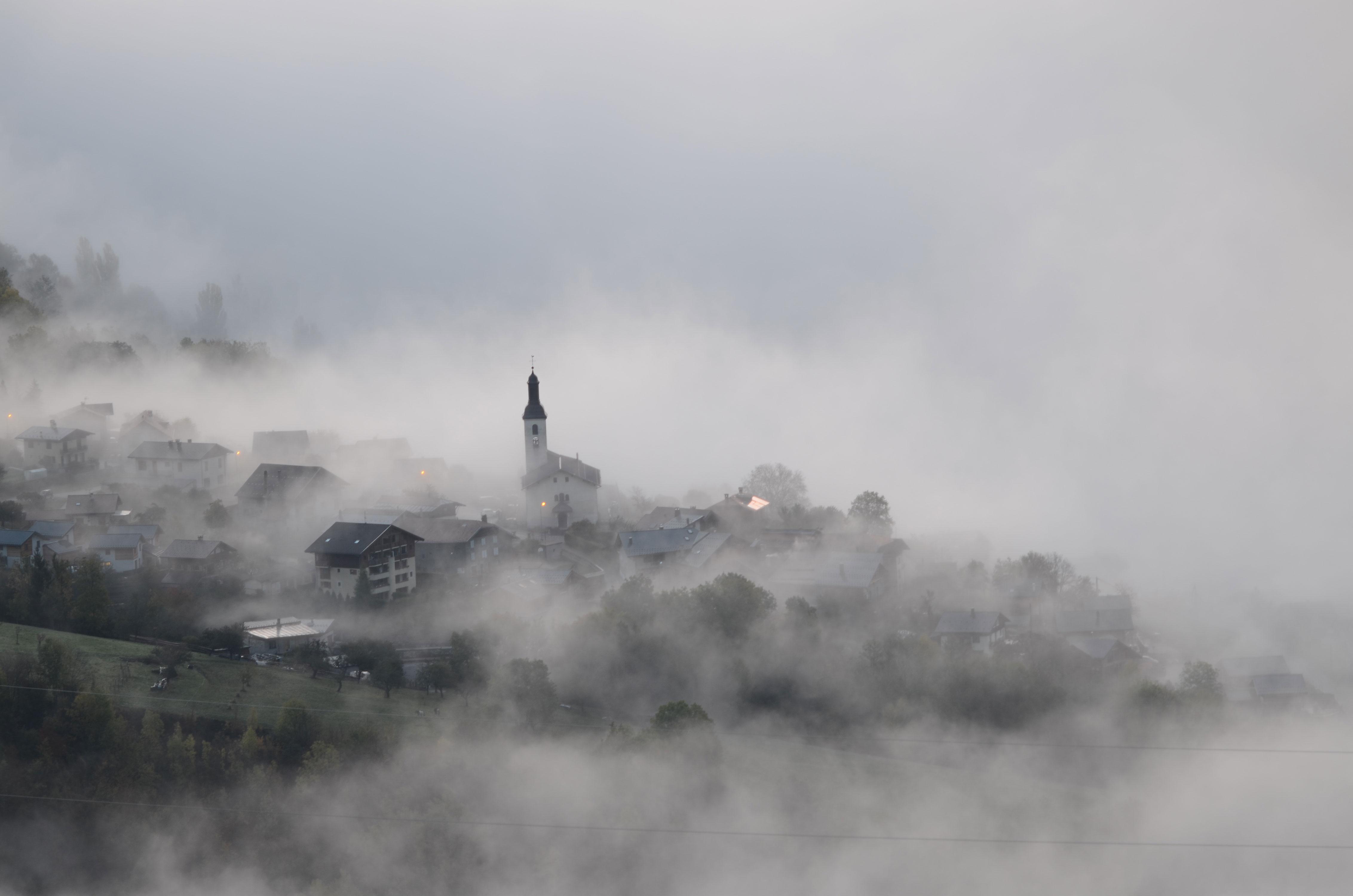 Côte-d'Aime-dans-le-nuage-1