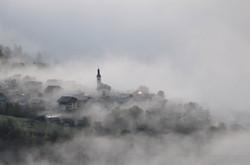 Côte d'Aime dans les nuages
