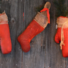 Prim Mittens, Stocking