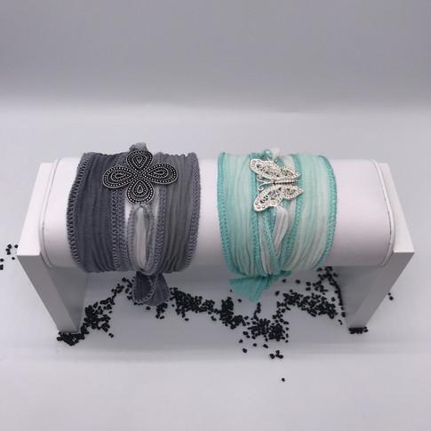 Seiden-Armbänder mit wunderschönem Silberanhänger kombiniert