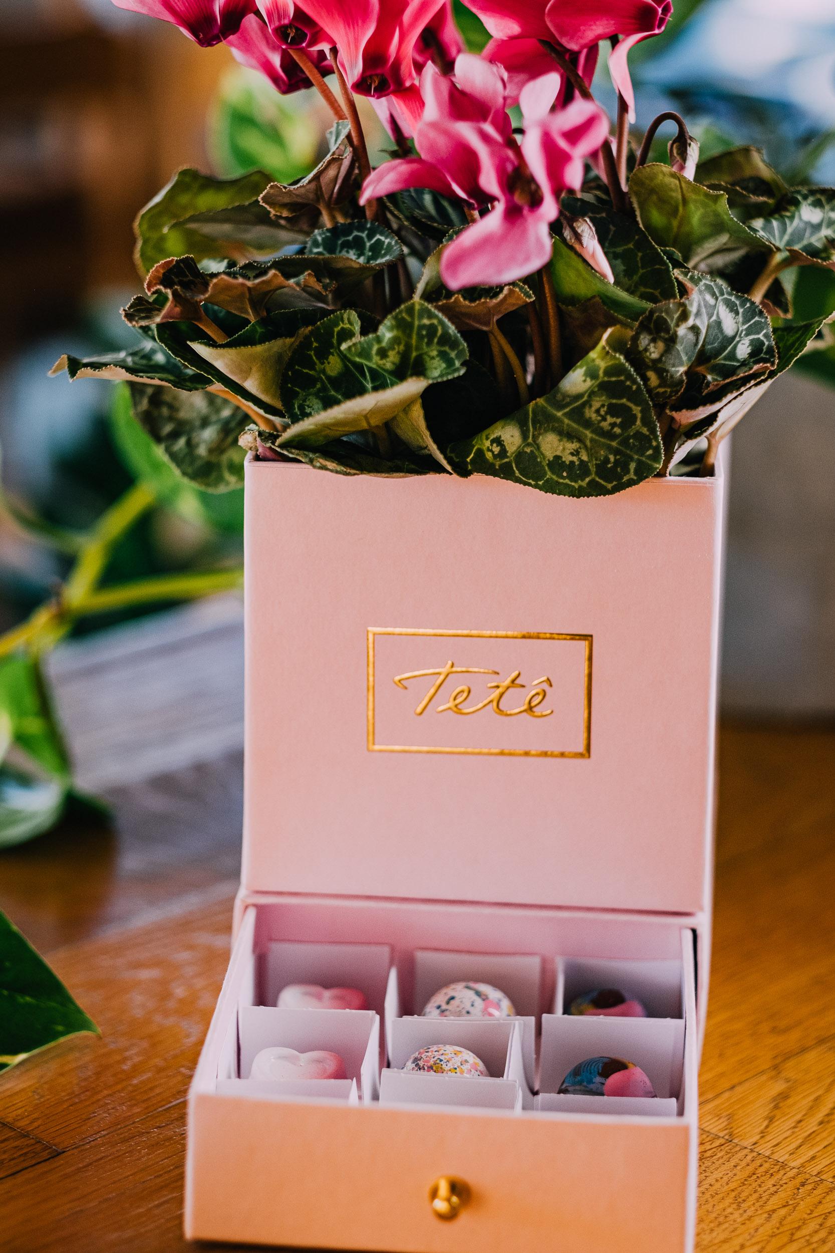 Caixa com Flores eBombons