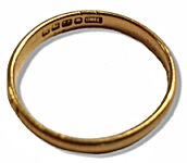 Gold Ring Val-small.jpg