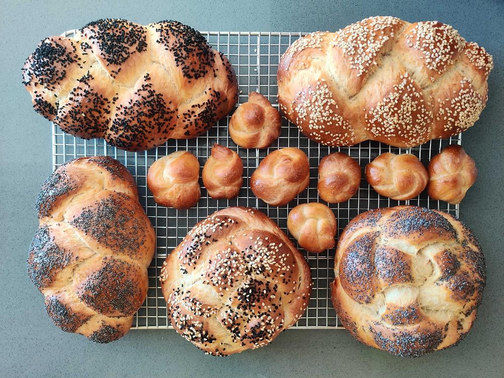 Challah bread - recipe at https://www.labna.it/en/challah-shabbat-bread.html