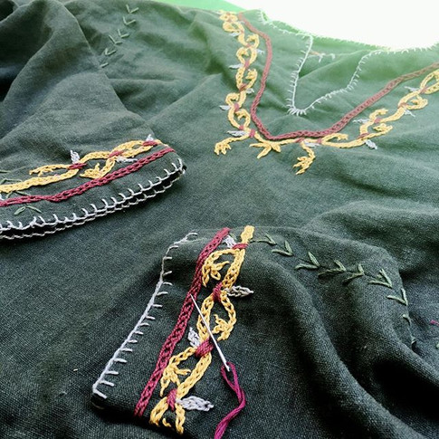 I had to put my#vikingdress on hold for a few months, I'm so happy to get back to a little lunchtime embroidery, there's nothing more relaxi
