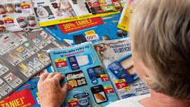 Sieci handlowe drastycznie tną liczbę gazetek i ich stron. Okrajają też powierzchnię promocyjną