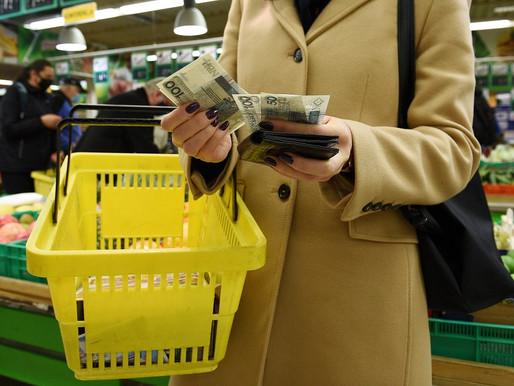 Nastroje konsumentów: Pandemia coraz mniej straszna. Polacy zamierzają więcej wydawać w sklepach
