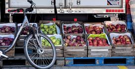 Pandemia nie sprzyja cenom owoców. W sklepach jest średnio o 17 proc. drożej niż rok temu