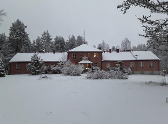 Talo edestä talvi