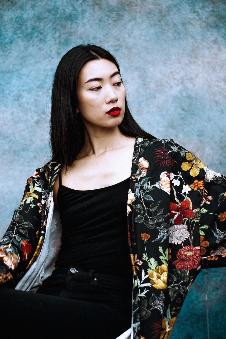 Kimono in Black Floral Print