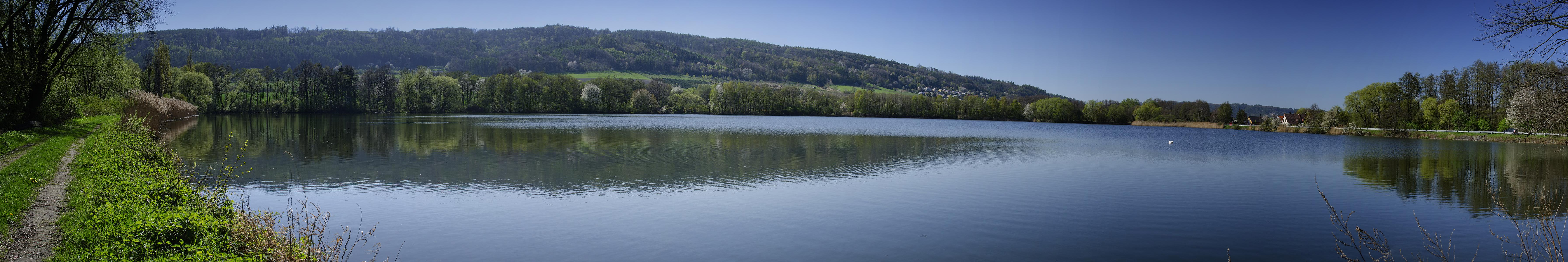 Rybník u obce Odry
