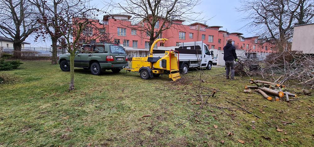 Stroje připraveny, auto prázdné a jdeme na to - frezujemeparezy.cz
