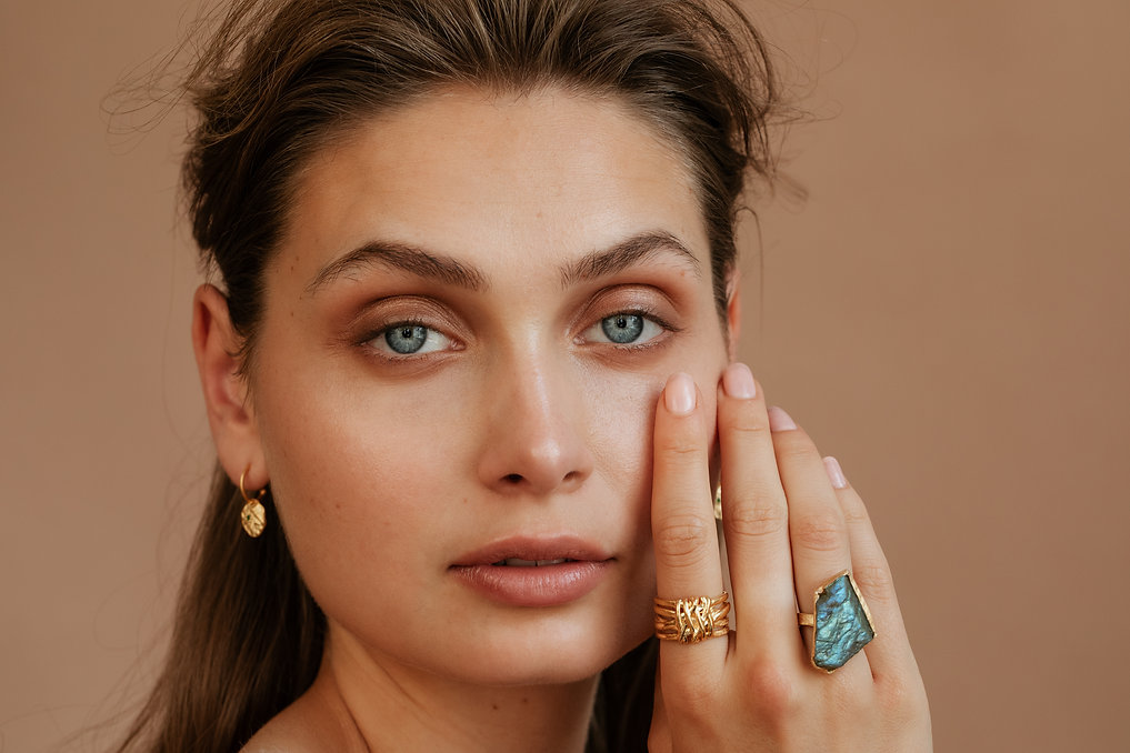 jewelry campaign photo / crafts by living stories / liselotte fleur
