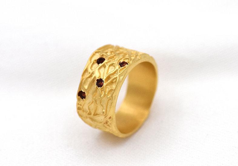 River stone gold