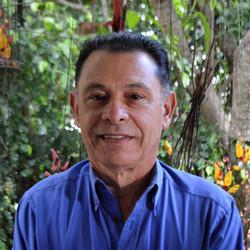 Carlos Manuel Castillo, Fundador