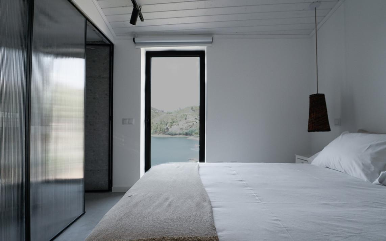 Vista Suite Paz Zab Living.jpg