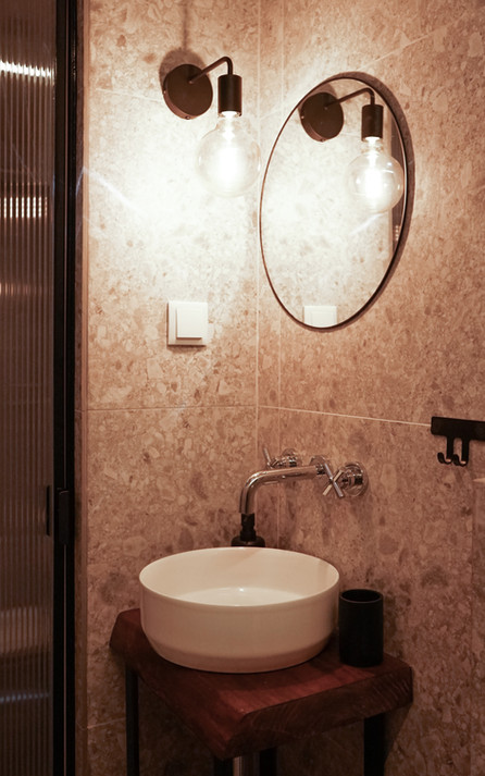 WC Suite Luz Zab Living.jpg